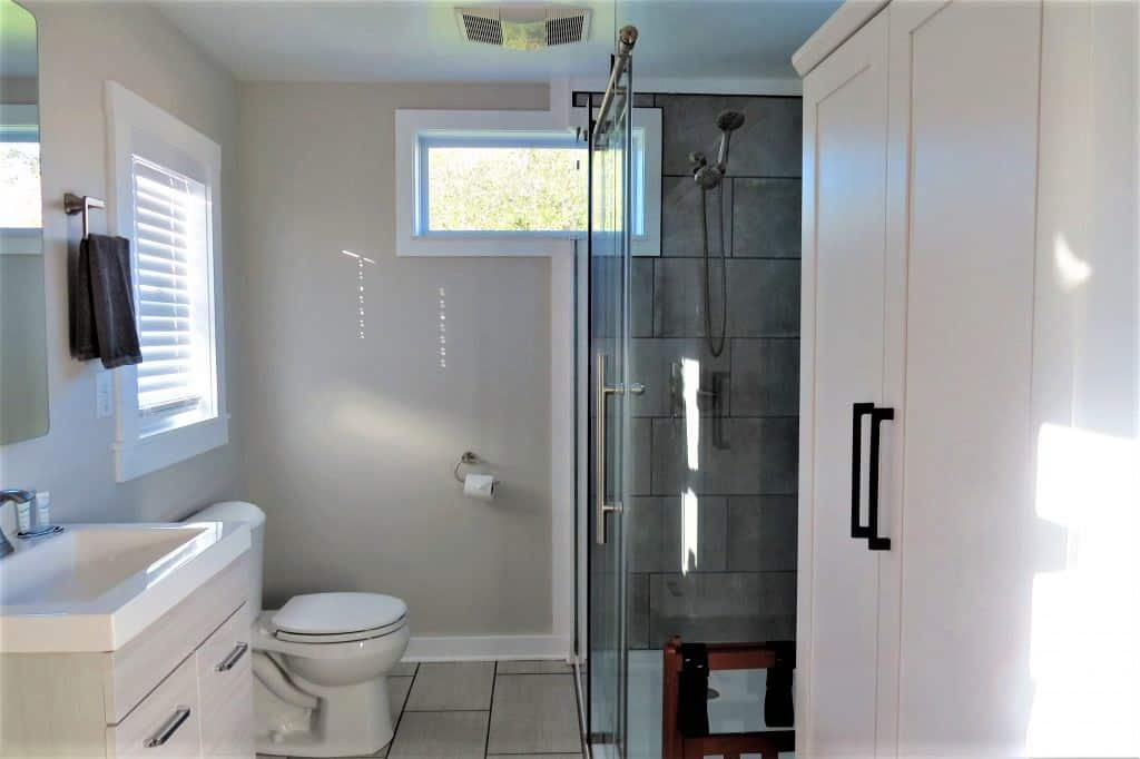 This renovated storage container rental has a fully plumbed bathroom