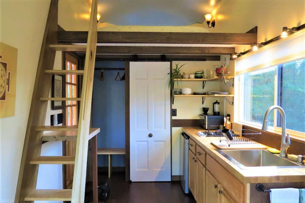 One of the unique Airbnb rentals I tried was a tiny home with a cute loft and kitchen